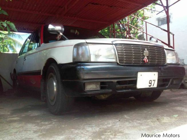 Used toyota crown comfort 1997 crown comfort for sale for Crown motors used cars
