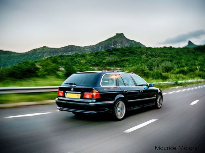 BMW 528i in Mauritius