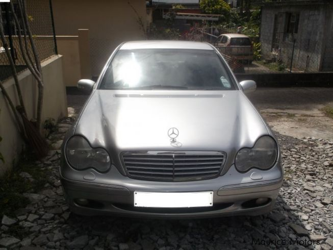 Used mercedes benz c180 silver 2001 c180 silver for for Used cars for sale mercedes benz
