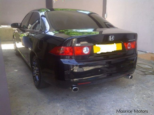 Used honda accord cl7 2004 accord cl7 for sale albion for Honda accord motors for sale