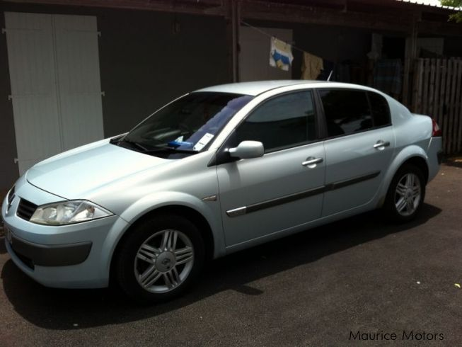used renault megane 1 6 16 v berline 2004 megane 1 6 16 v berline for sale icery road forest. Black Bedroom Furniture Sets. Home Design Ideas
