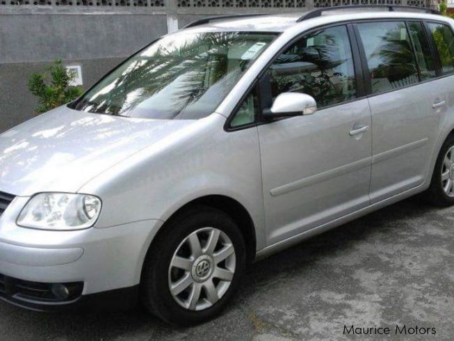 used volkswagen touran 2007 touran for sale flic en flac volkswagen touran sales. Black Bedroom Furniture Sets. Home Design Ideas