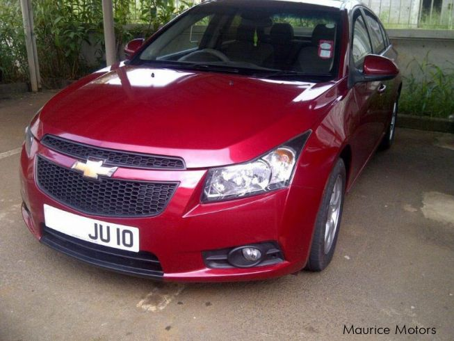 used chevrolet cruze lt 2010 cruze lt for sale brisee verdiere chevrolet cruze lt sales. Black Bedroom Furniture Sets. Home Design Ideas