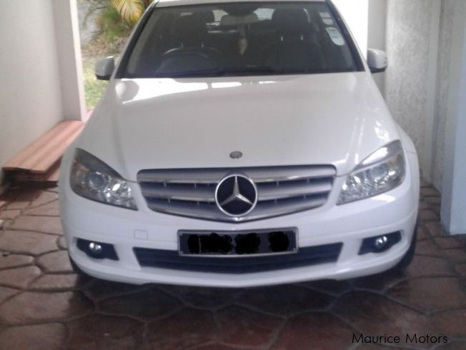 used mercedes benz c180 kompressor 2010 c180 kompressor for sale quatre bornes mercedes benz. Black Bedroom Furniture Sets. Home Design Ideas