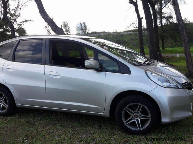 used honda fit 2011 fit for sale st pierre honda fit sales honda fit price rs 435 000. Black Bedroom Furniture Sets. Home Design Ideas