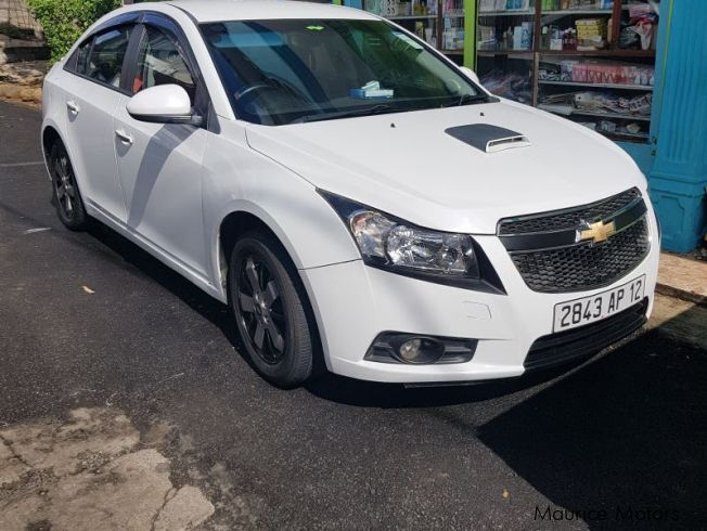 used chevrolet cruze ltz 2012 cruze ltz for sale l escalier chevrolet cruze ltz sales. Black Bedroom Furniture Sets. Home Design Ideas