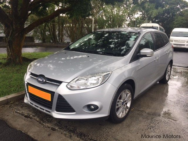used ford focus 2012 focus for sale floreal ford focus sales ford focus price rs 300 000. Black Bedroom Furniture Sets. Home Design Ideas