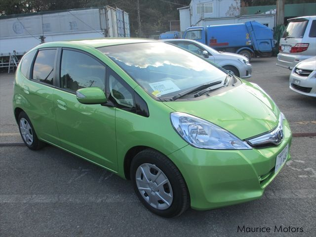used honda fit hybrid 2012 fit hybrid for sale bon accueil honda fit hybrid sales honda. Black Bedroom Furniture Sets. Home Design Ideas