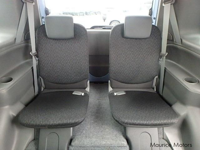 used toyota sienta 7 seats 2012 sienta 7 seats for sale vacoas toyota sienta 7 seats sales. Black Bedroom Furniture Sets. Home Design Ideas