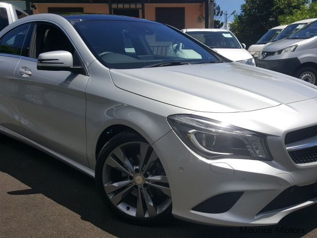 Used mercedes benz cla180 2013 cla180 for sale floreal for Mercedes benz greenway used cars