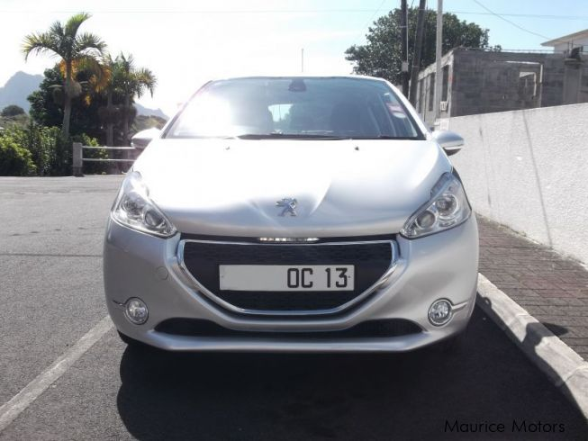 used peugeot 208 2013 208 for sale phoenix mauritius peugeot 208 sales peugeot 208 price. Black Bedroom Furniture Sets. Home Design Ideas