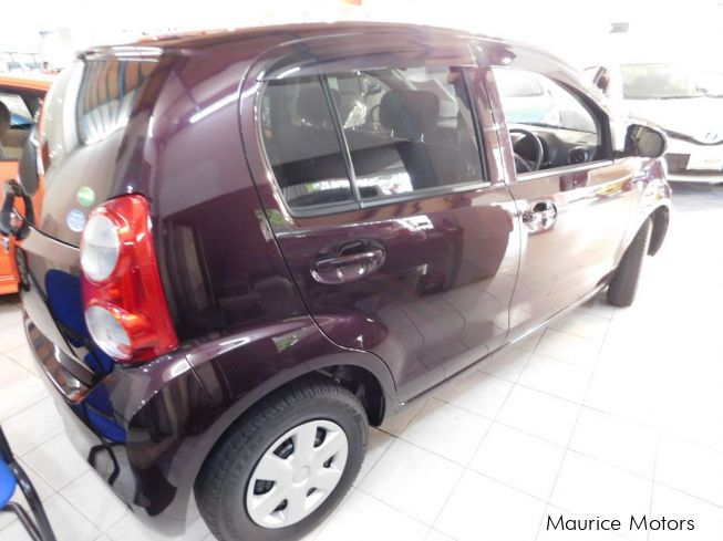 Used Toyota Passo Pearl Brown 2013 Passo Pearl Brown