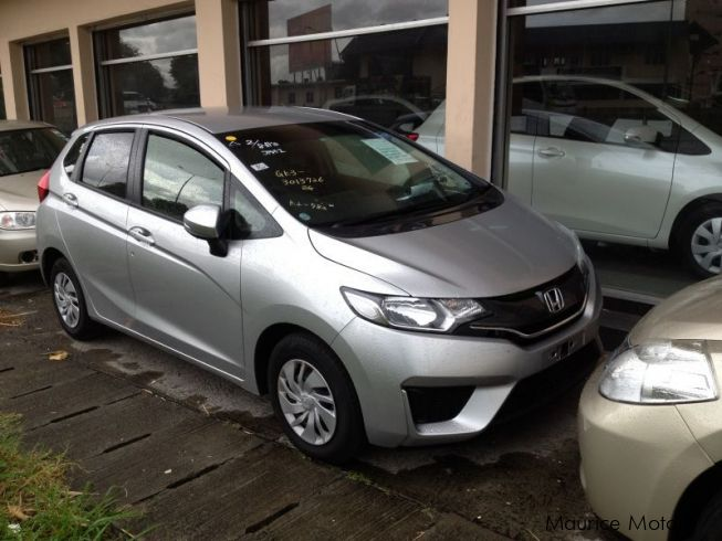 used honda fit silver met new 2014 fit silver met new for sale port louis honda fit. Black Bedroom Furniture Sets. Home Design Ideas