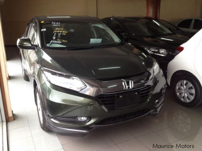 used honda vezel olive hybrid 2014 vezel olive hybrid for sale port louis honda. Black Bedroom Furniture Sets. Home Design Ideas