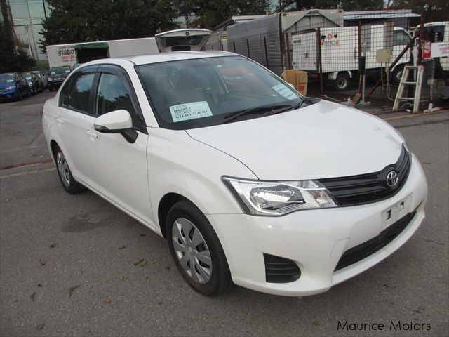 used toyota corolla axio 2014 corolla axio for sale eau coulee curepipe toyota corolla axio. Black Bedroom Furniture Sets. Home Design Ideas