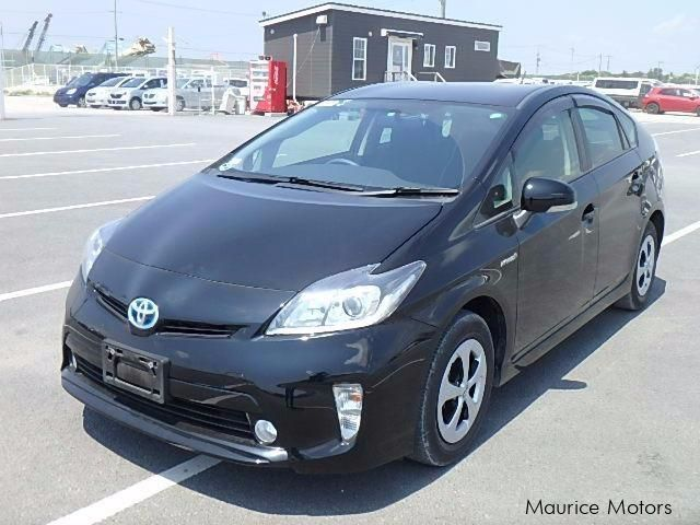 used toyota prius s 2014 prius s for sale vacoas toyota prius s sales toyota prius s price. Black Bedroom Furniture Sets. Home Design Ideas