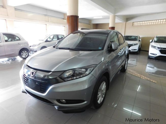 used honda vezel hybrid grey met model x 2015 vezel hybrid grey met model x for sale. Black Bedroom Furniture Sets. Home Design Ideas