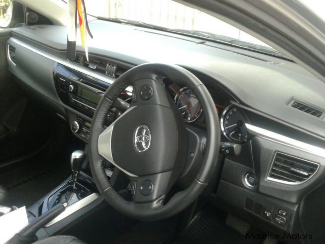 used toyota corolla 2015 corolla for sale quatre bornes toyota corolla sales toyota. Black Bedroom Furniture Sets. Home Design Ideas