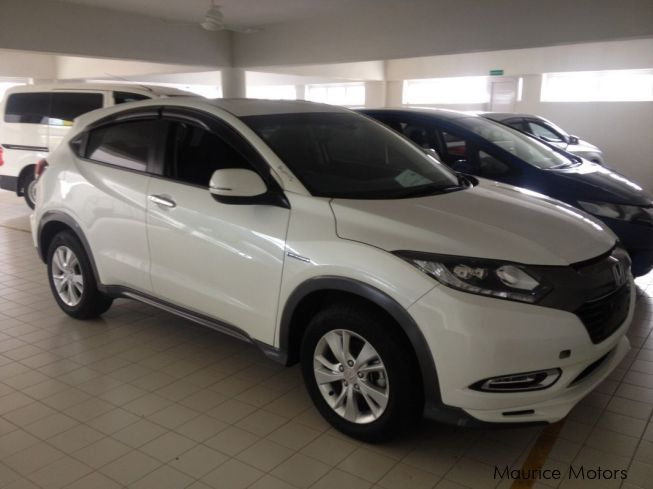 used honda vezel model x white 2016 vezel model x white for sale rose hill honda vezel. Black Bedroom Furniture Sets. Home Design Ideas