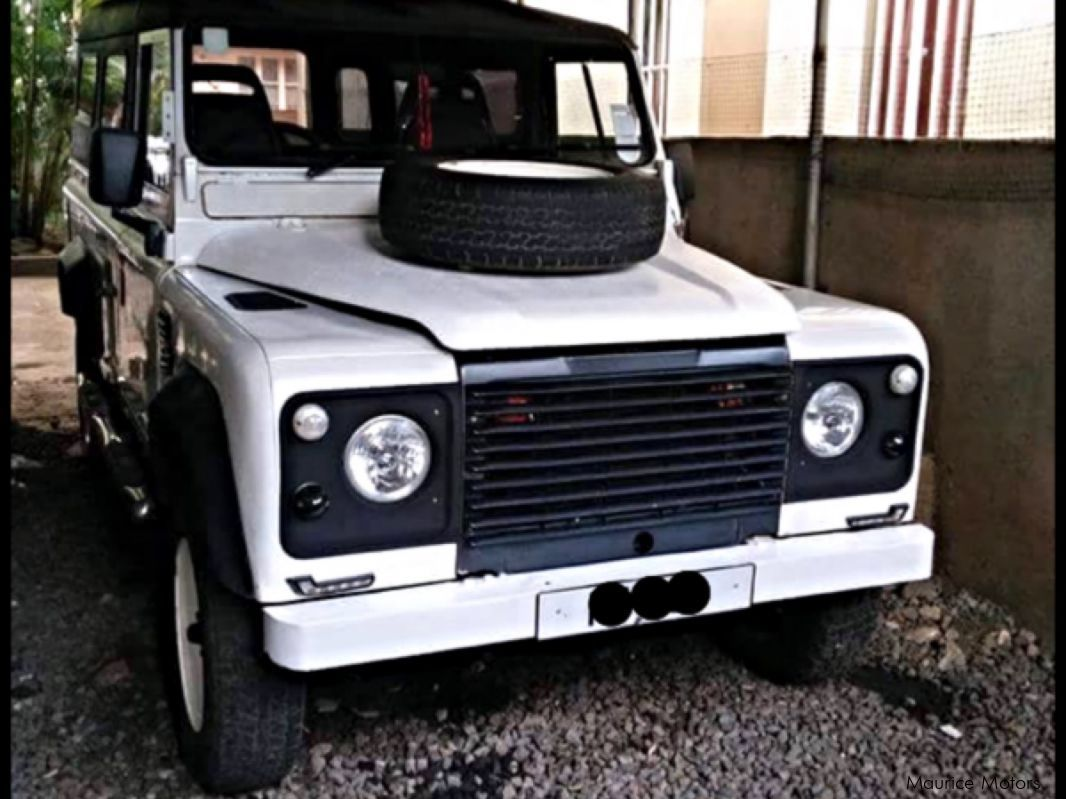 used land rover defender 110 1992 defender 110 for sale plaine des papayes land rover. Black Bedroom Furniture Sets. Home Design Ideas