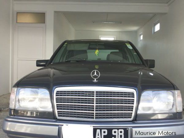used mercedes benz e220 1998 e220 for sale quatre bornes mercedes benz e220 sales mercedes. Black Bedroom Furniture Sets. Home Design Ideas
