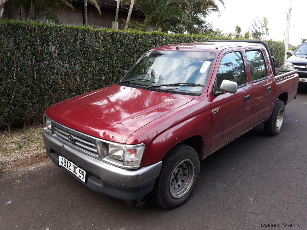 used toyota hilux 1999 hilux for sale quatre bornes toyota hilux sales toyota hilux price. Black Bedroom Furniture Sets. Home Design Ideas
