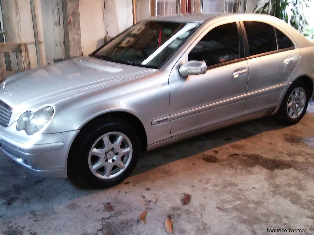 Used mercedes benz c180 w203 2000 c180 w203 for sale for Mercedes benz c180 for sale