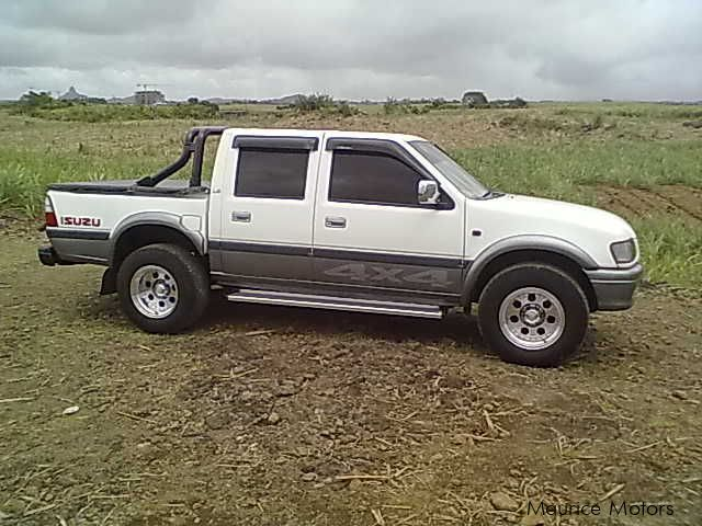 used isuzu 4x4 ls 2001 4x4 ls for sale moka isuzu 4x4 ls sales isuzu 4x4 ls price rs. Black Bedroom Furniture Sets. Home Design Ideas