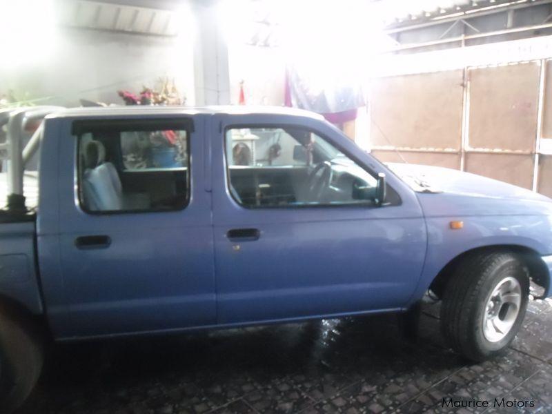 Used Nissan 3 2 Diesel 2001 3 2 Diesel For Sale Mare Dalbert