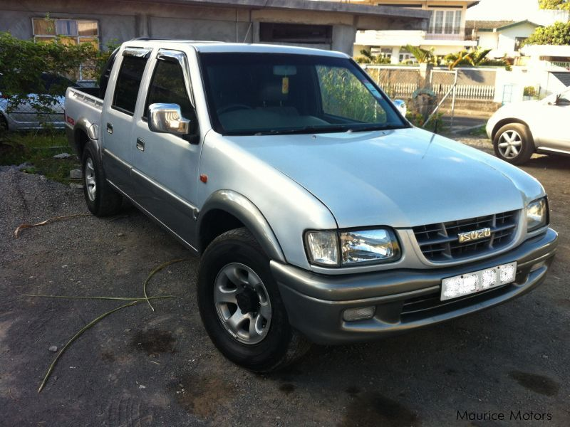 used isuzu pick up japan 2002 pick up japan for sale joomunlane brisee verdiere isuzu pick. Black Bedroom Furniture Sets. Home Design Ideas