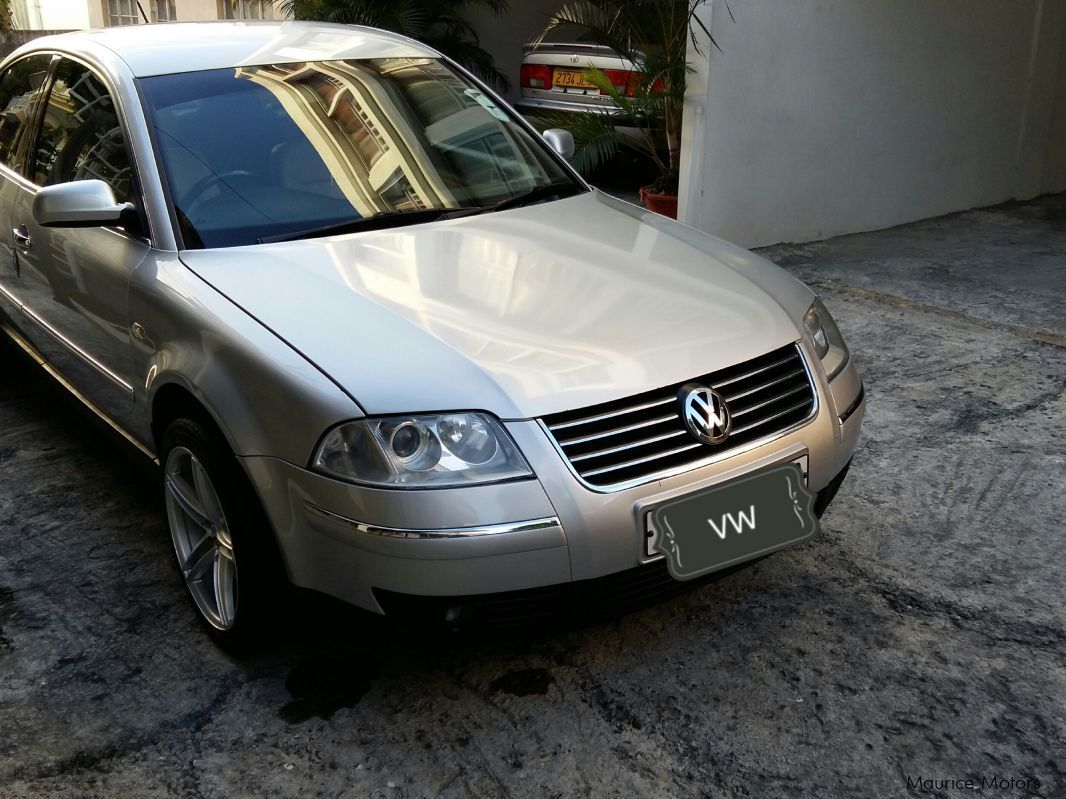 used volkswagen passat limited edition 2002 passat limited edition for sale quatre bornes. Black Bedroom Furniture Sets. Home Design Ideas