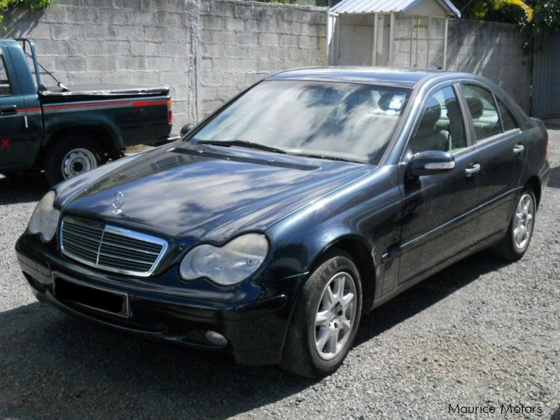 Used mercedes benz c 180 2003 c 180 for sale vacoas for Mercedes benz used vehicles