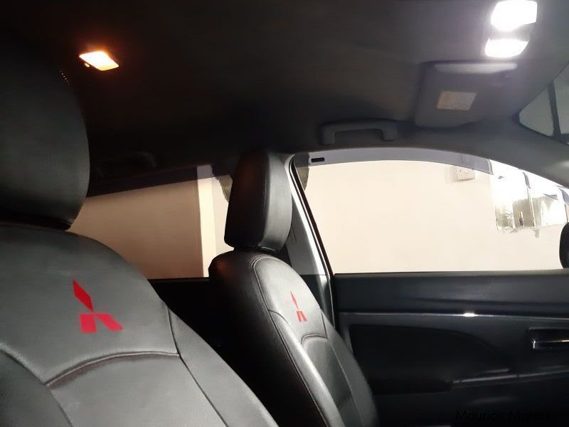 Used mercedes benz c180 2003 c180 for sale moka for Mercedes benz car sales