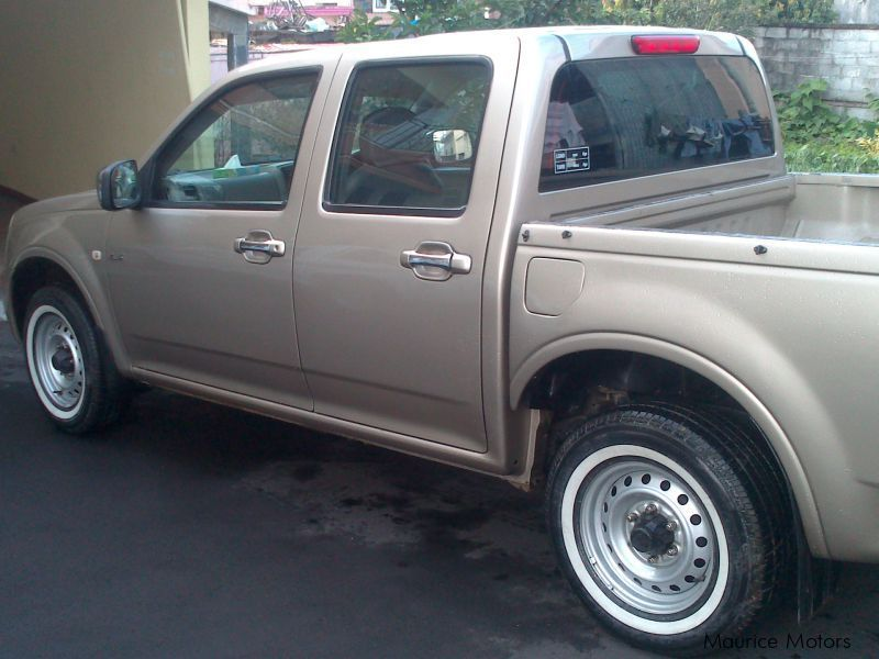 isuzu d max 2004 manual
