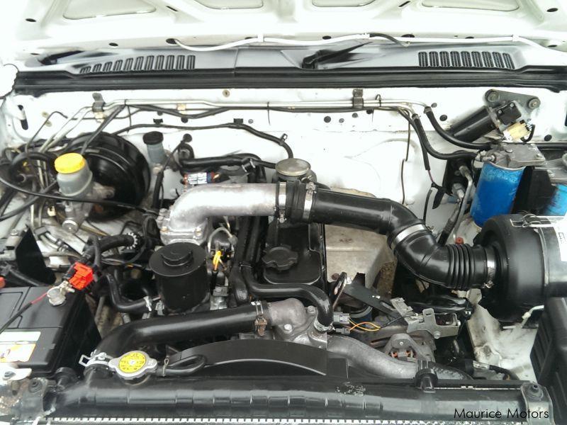 Used Nissan Hardbody 2 7d | 2004 Hardbody 2 7d for sale