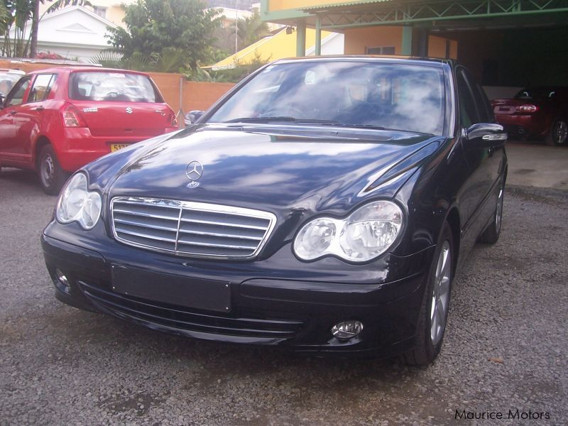 used mercedes benz c220 2005 c220 for sale quatre. Black Bedroom Furniture Sets. Home Design Ideas