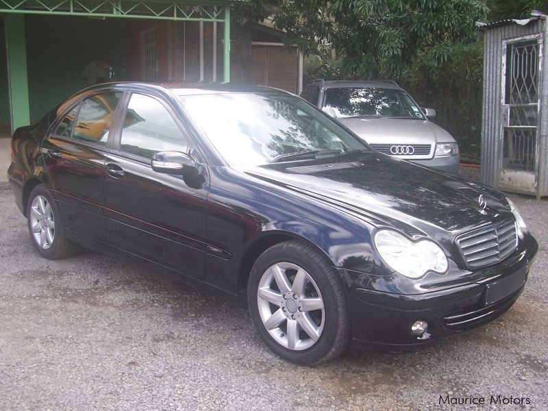 used mercedes benz c220 2005 c220 for sale quatre bornes mercedes benz c220 sales mercedes. Black Bedroom Furniture Sets. Home Design Ideas