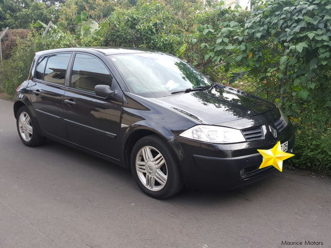 used renault megane ii 2005 megane ii for sale quatre bornes renault megane ii sales. Black Bedroom Furniture Sets. Home Design Ideas