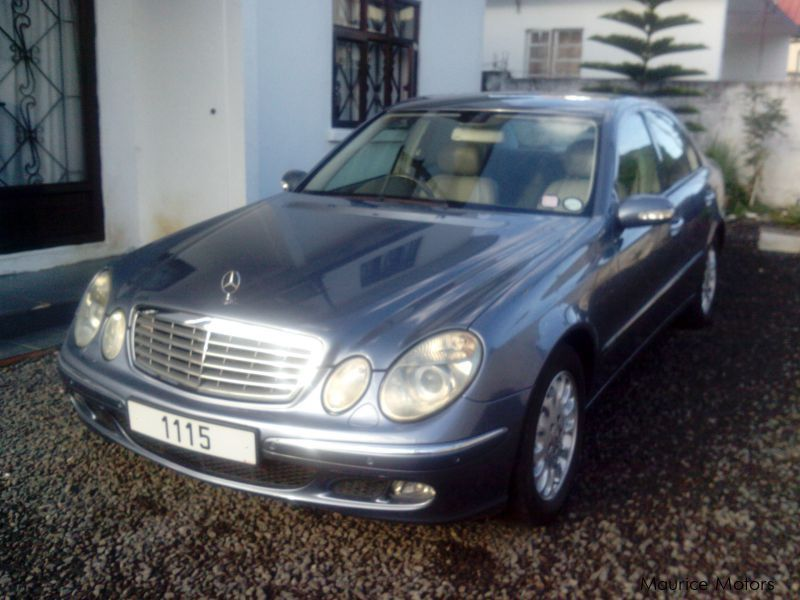 used mercedes benz e 220 cdi 2006 e 220 cdi for sale quatre bornes mercedes benz e 220 cdi. Black Bedroom Furniture Sets. Home Design Ideas
