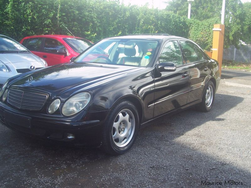 used mercedes benz e200 2006 e200 for sale quatre bornes mercedes benz e200 sales mercedes. Black Bedroom Furniture Sets. Home Design Ideas
