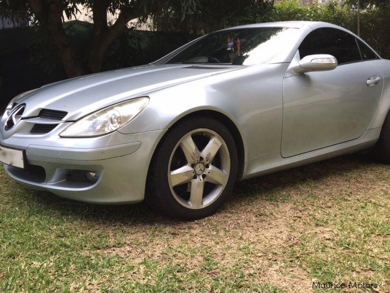 used mercedes benz slk 280 2007 slk 280 for sale quatre bornes mercedes benz slk 280 sales. Black Bedroom Furniture Sets. Home Design Ideas
