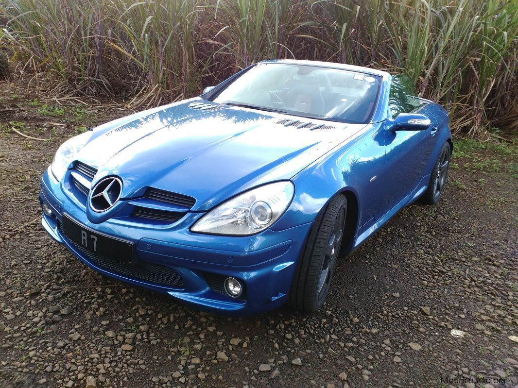 used mercedes benz slk 55 amg v8 5500cc 2007 slk 55 amg v8 5500cc for sale quatre. Black Bedroom Furniture Sets. Home Design Ideas