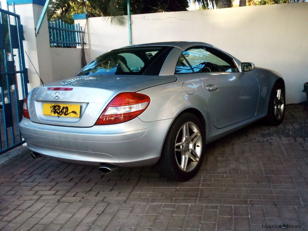 used mercedes benz slk 2007 slk for sale rose hill mercedes benz slk sales mercedes benz. Black Bedroom Furniture Sets. Home Design Ideas