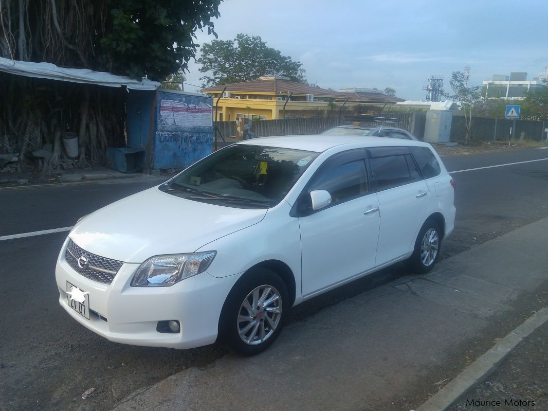 used toyota corolla axio fielder 2007 corolla axio fielder for sale pailles toyota corolla. Black Bedroom Furniture Sets. Home Design Ideas
