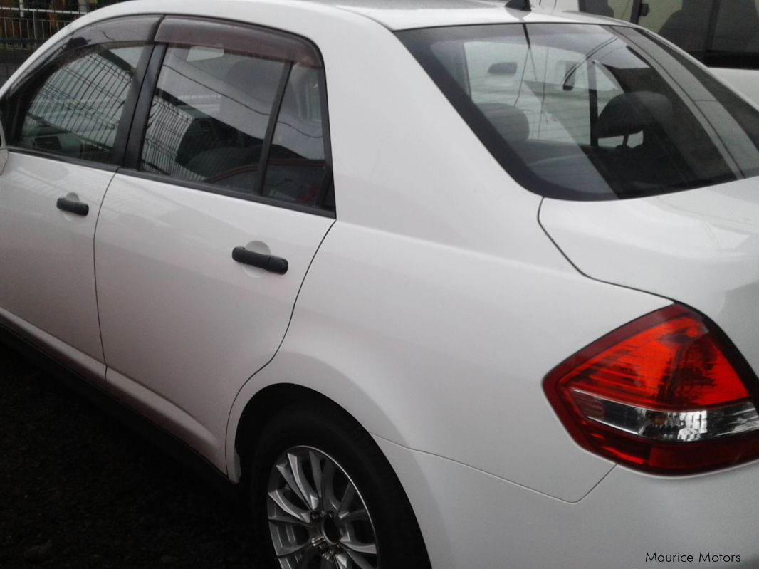 used nissan tiida white 2008 tiida white for sale camp fouquereaux nissan tiida white. Black Bedroom Furniture Sets. Home Design Ideas