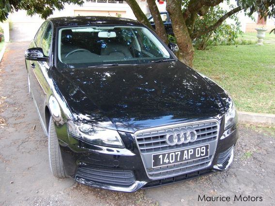 2009 Audi A4 car Photos - Tiptronic Transmissions - 29000 km