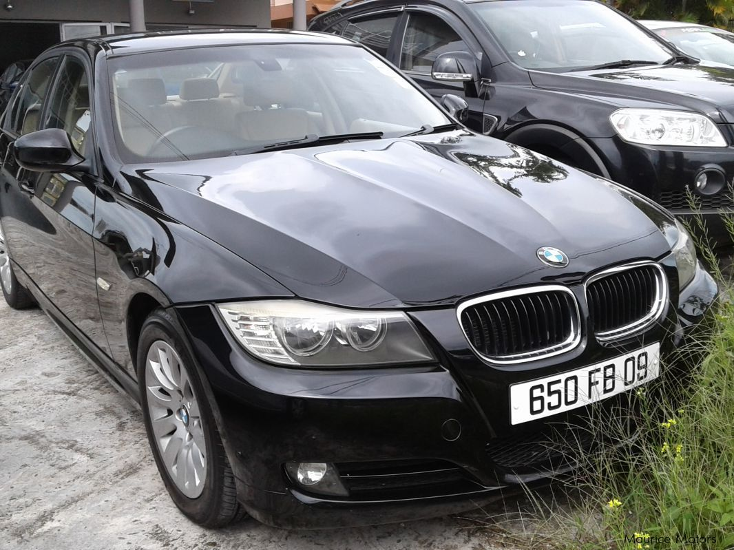 used bmw 320i automatic e90 facelift 2009 320i automatic e90 facelift for sale floreal. Black Bedroom Furniture Sets. Home Design Ideas