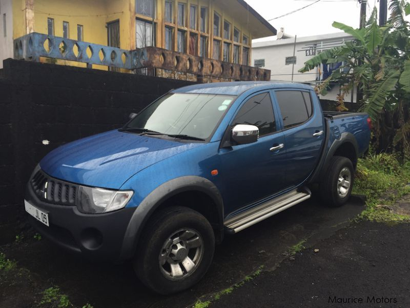 used mitsubishi l200 4x4 2009 l200 4x4 for sale curepipe mitsubishi l200 4x4 sales. Black Bedroom Furniture Sets. Home Design Ideas