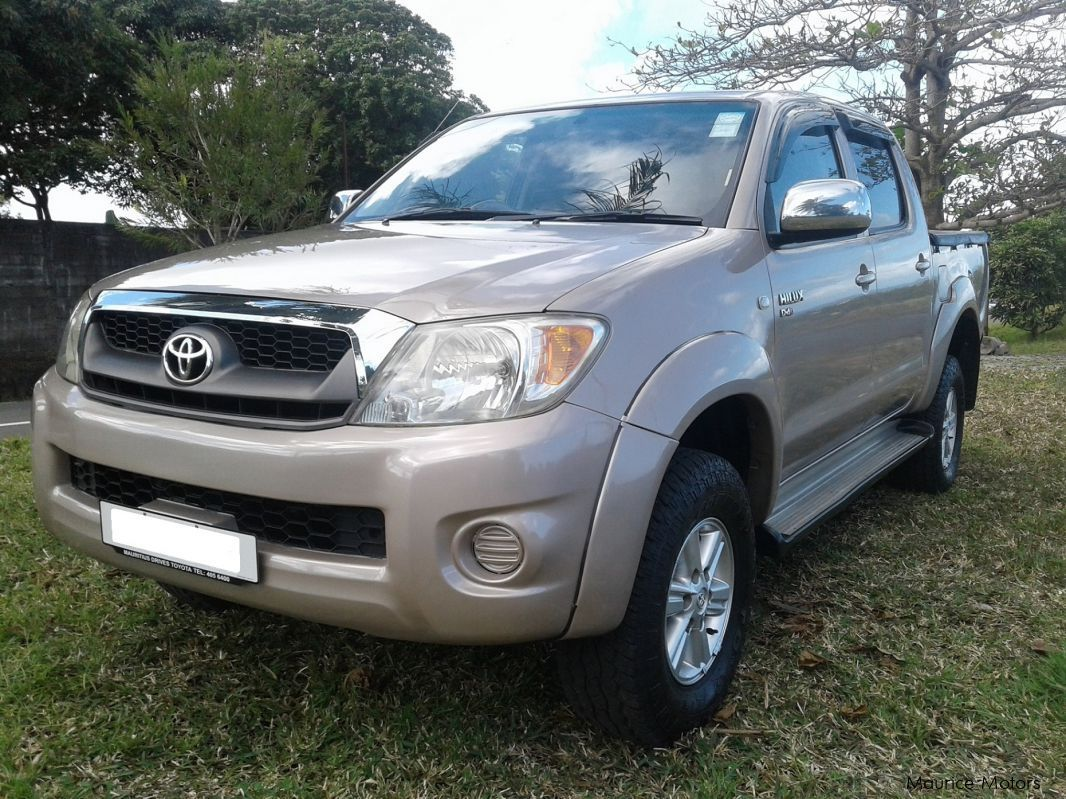 used toyota hilux d4d 4x4 2009 hilux d4d 4x4 for sale plaine magnien toyota hilux d4d. Black Bedroom Furniture Sets. Home Design Ideas