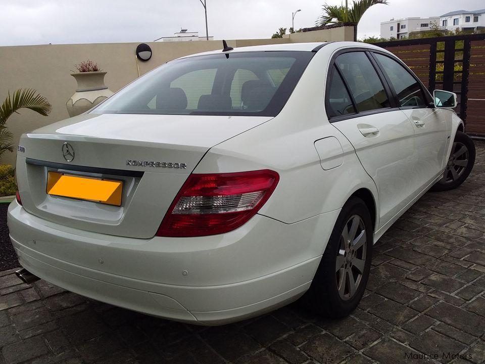 Used Mercedes-Benz C 180 | 2010 C 180 for sale | Moka ...
